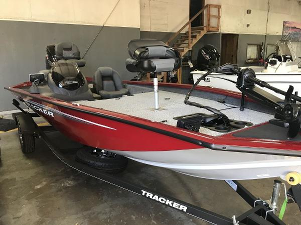 2020 Tracker Boats boat for sale, model of the boat is Pro Team™ 190 TX Tournament Ed. & Image # 5 of 5