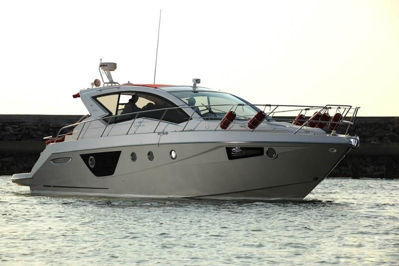 M44 HT power boat-1