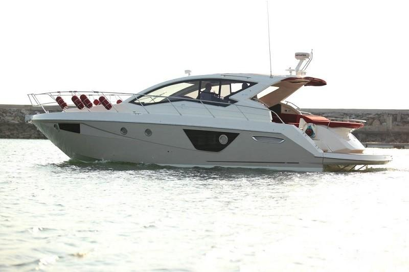 M44 HT power boat-2