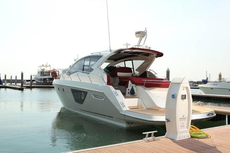 M44 HT power boat-9