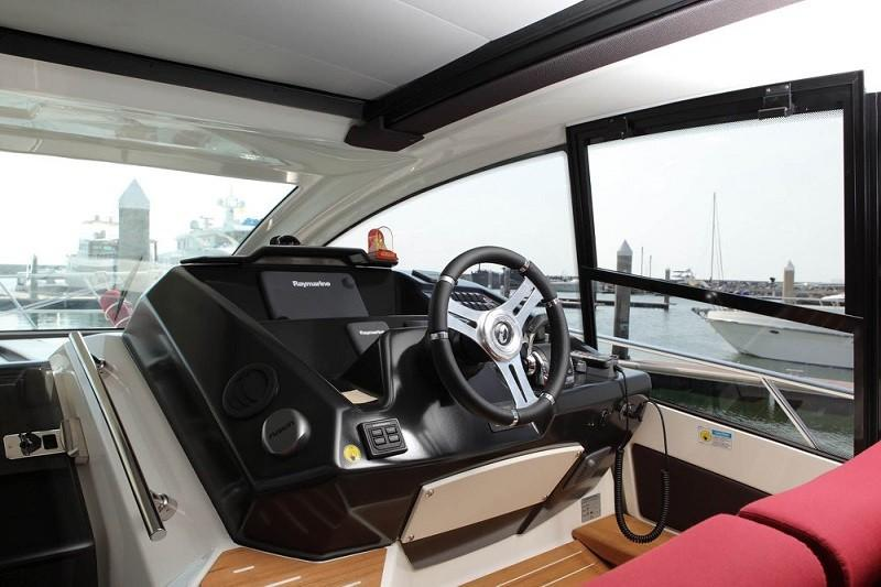 M44 HT power boat-12