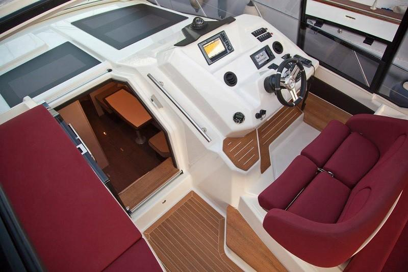 M44 HT power boat-14