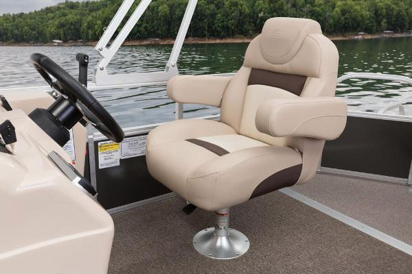 2016 Sun Tracker boat for sale, model of the boat is Party Barge 20 DLX & Image # 8 of 74