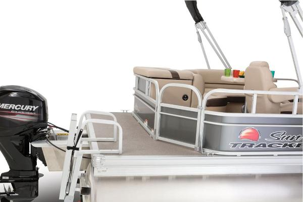 2016 Sun Tracker boat for sale, model of the boat is Party Barge 20 DLX & Image # 14 of 74