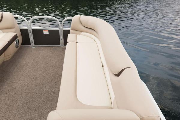 2016 Sun Tracker boat for sale, model of the boat is Party Barge 20 DLX & Image # 27 of 74
