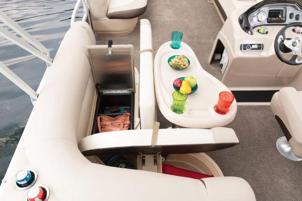 2016 Sun Tracker boat for sale, model of the boat is Party Barge 20 DLX & Image # 41 of 74