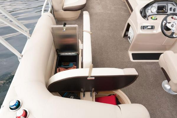 2016 Sun Tracker boat for sale, model of the boat is Party Barge 20 DLX & Image # 50 of 74