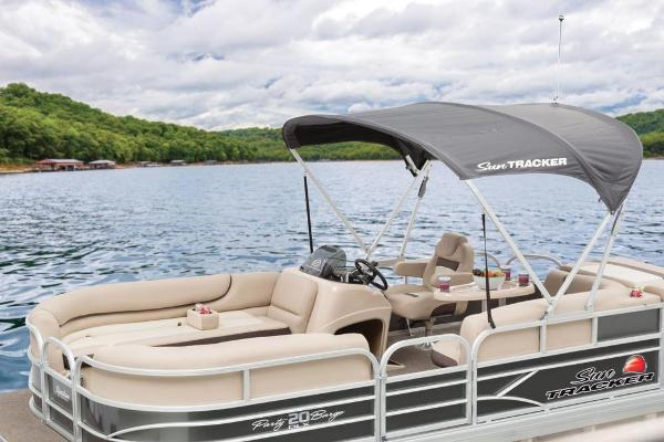 2016 Sun Tracker boat for sale, model of the boat is Party Barge 20 DLX & Image # 62 of 74