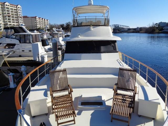 Hatteras 53 Motor Yacht - Bow Seating 2