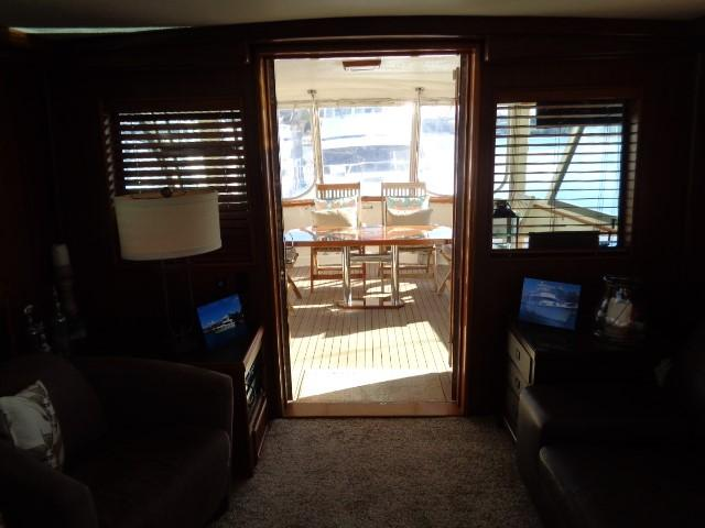 Hatteras 53 Motor Yacht - Salon looking to Aft Deck