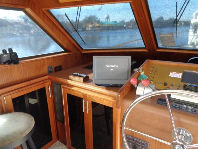 Hatteras 53 Motor Yacht - Photo: #38