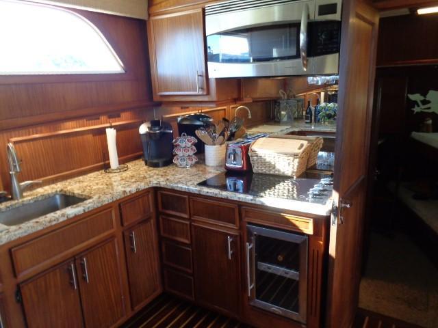 Hatteras 53 Motor Yacht - Photo: #48
