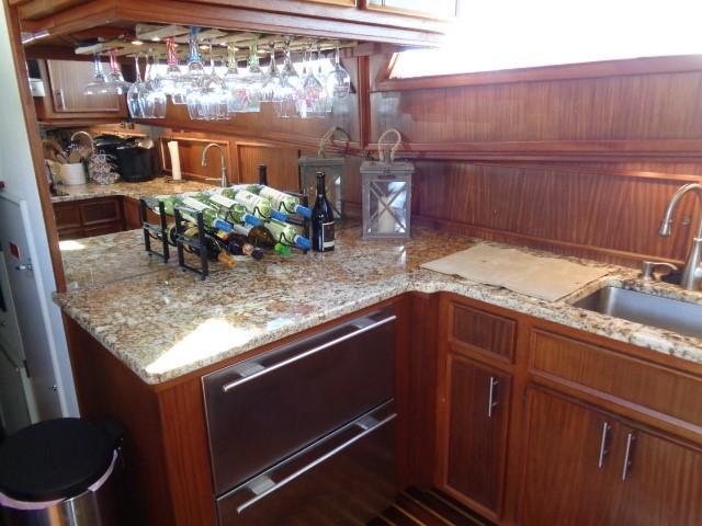 Hatteras 53 Motor Yacht - Photo: #52