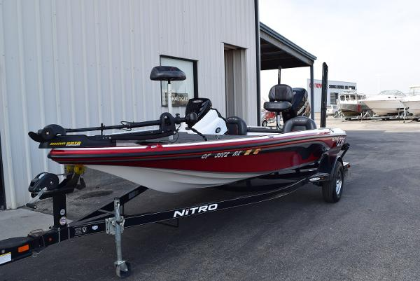 2016 Nitro boat for sale, model of the boat is Z18 & Image # 2 of 18
