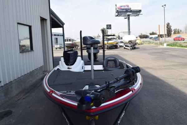 2016 Nitro boat for sale, model of the boat is Z18 & Image # 3 of 18