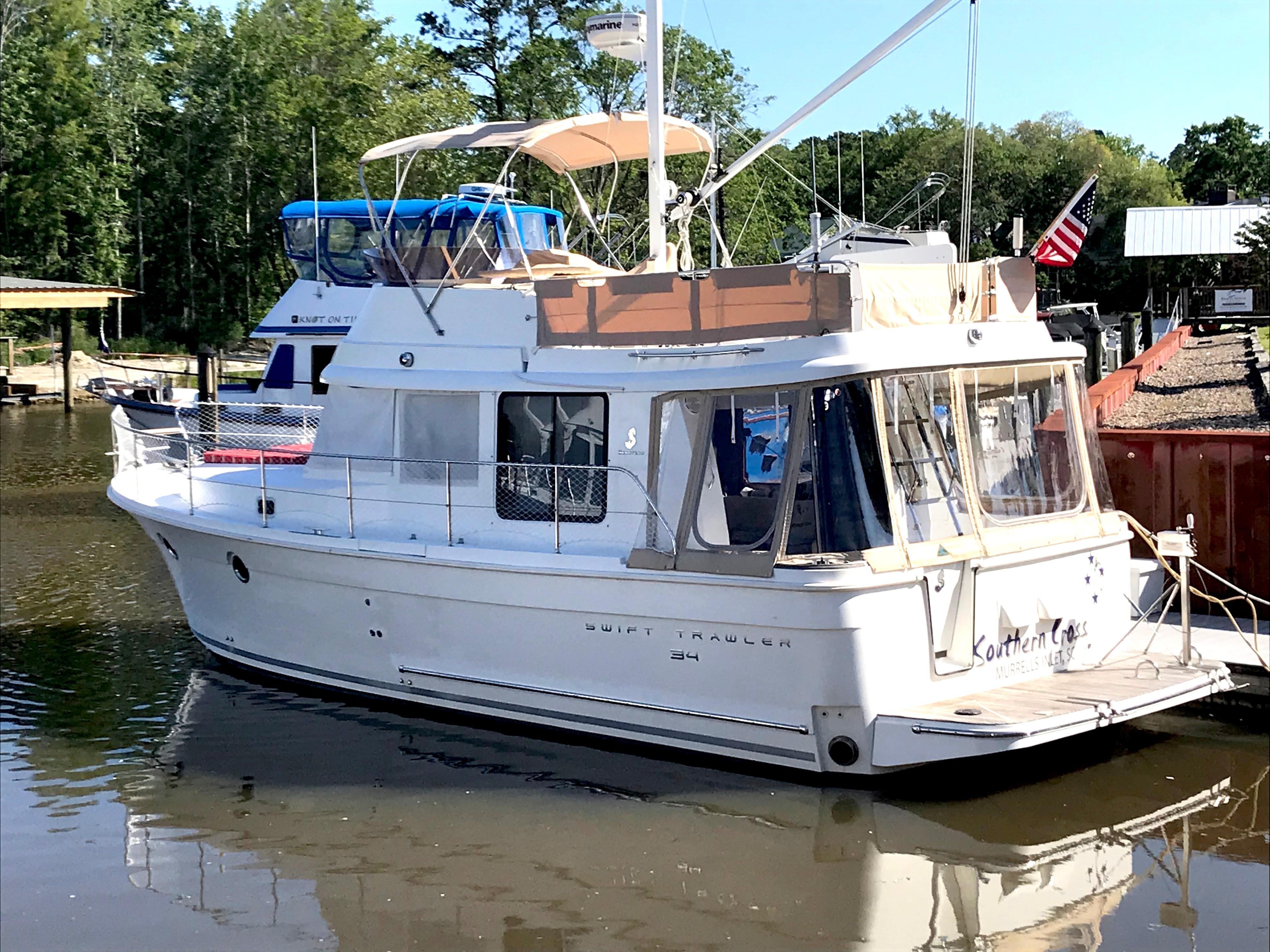 Beneteau 34 Swift Trawler - Port side quartering