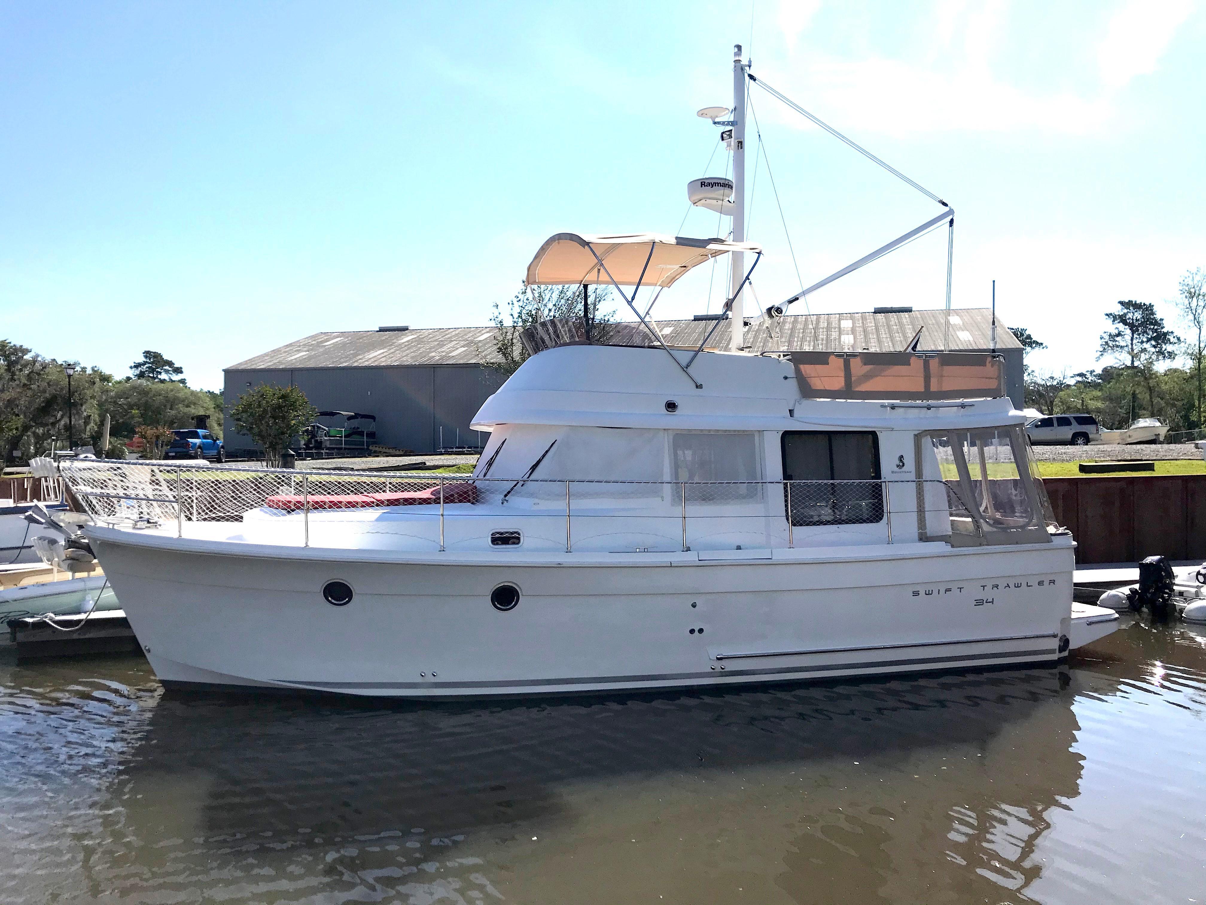 Beneteau 34 Swift Trawler - Port side Profile