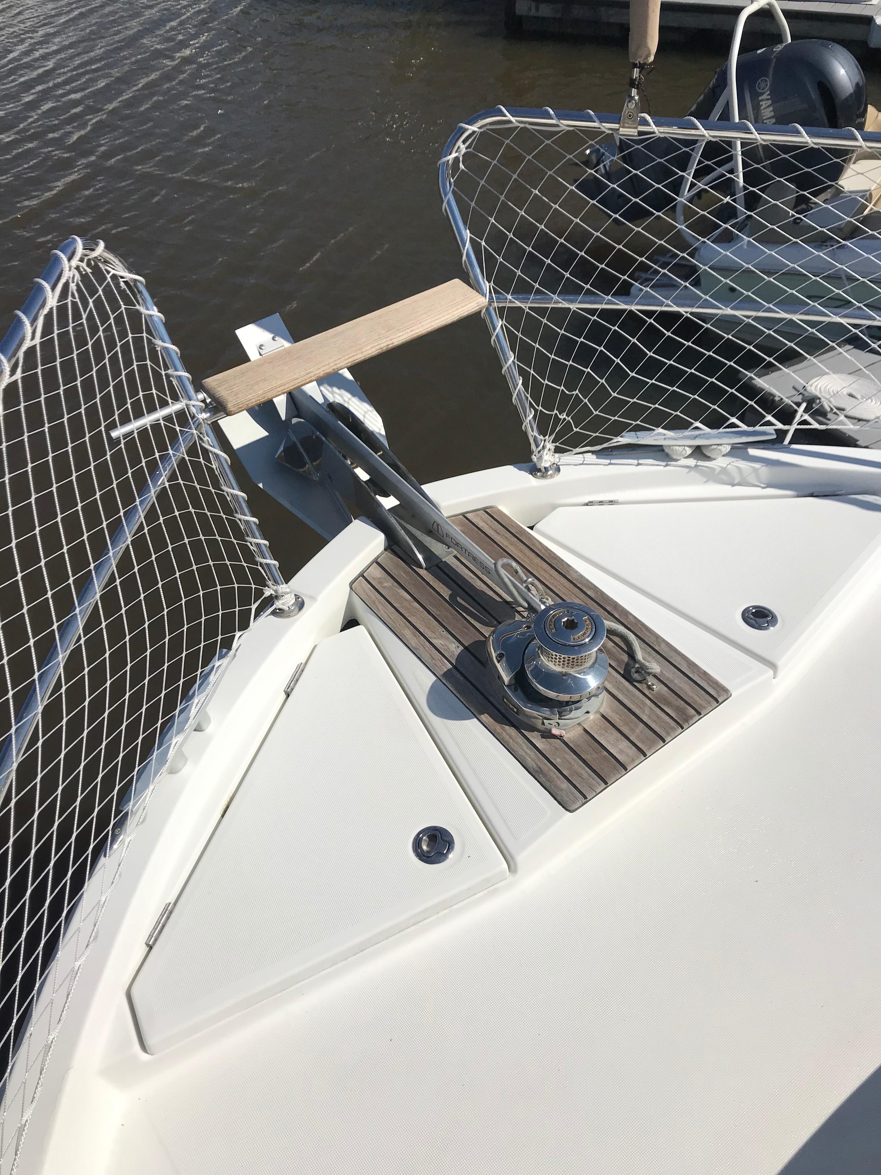 Beneteau 34 Swift Trawler - Foredeck/Windlass/Child/Pet Mesh