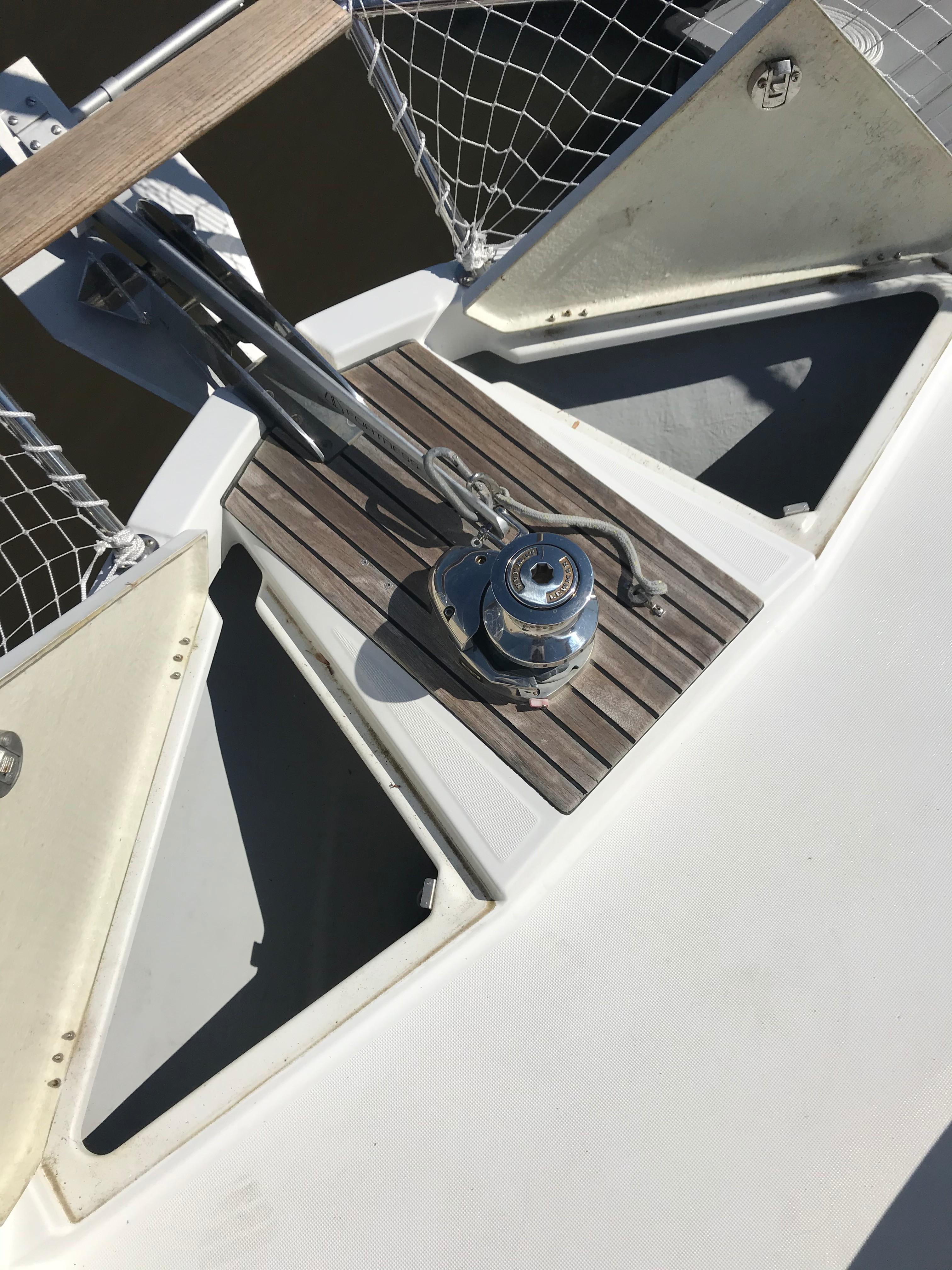 Beneteau 34 Swift Trawler - Foredeck Lockers