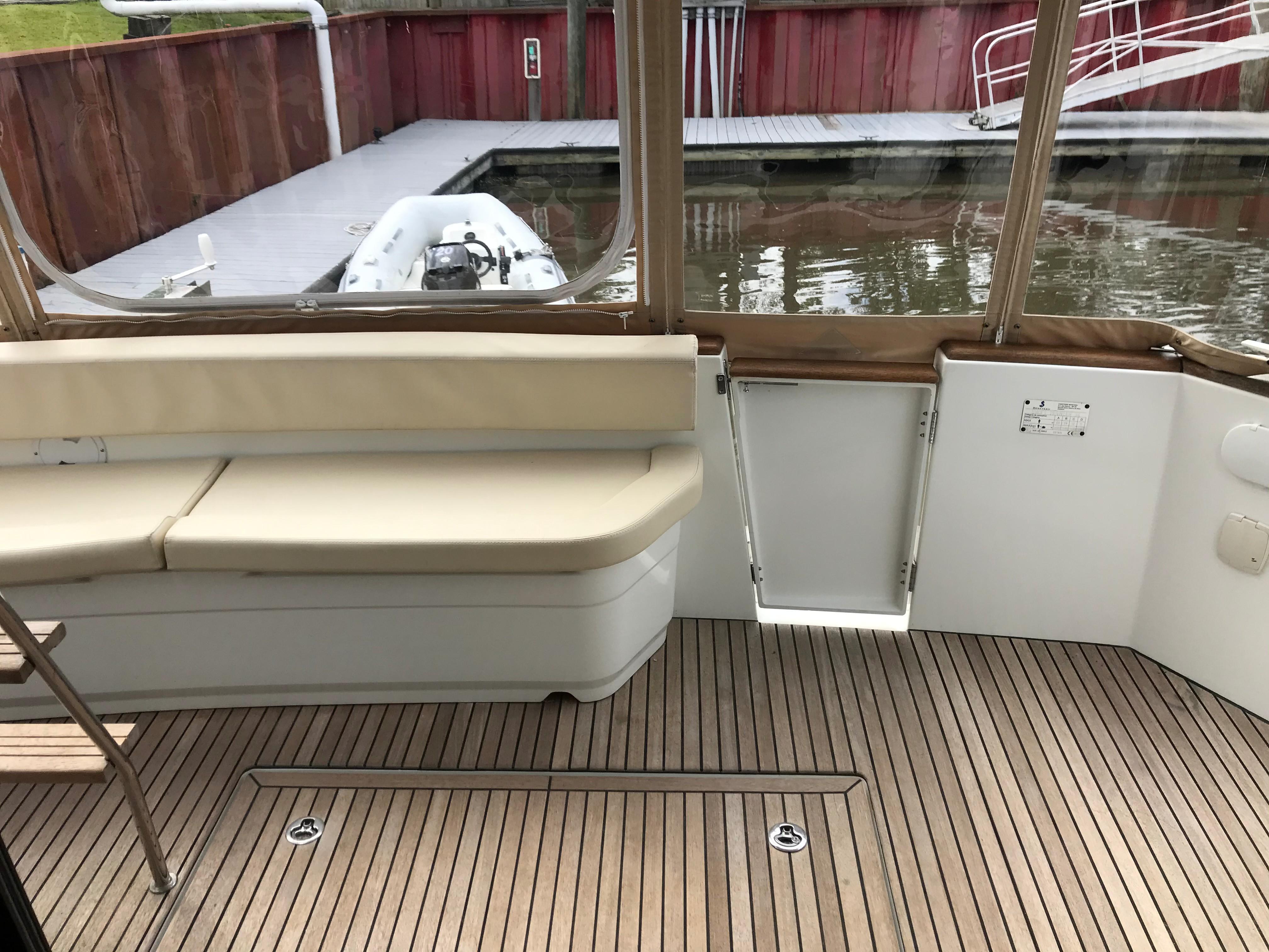 Beneteau 34 Swift Trawler - Full Weather Enclosure/Transom door
