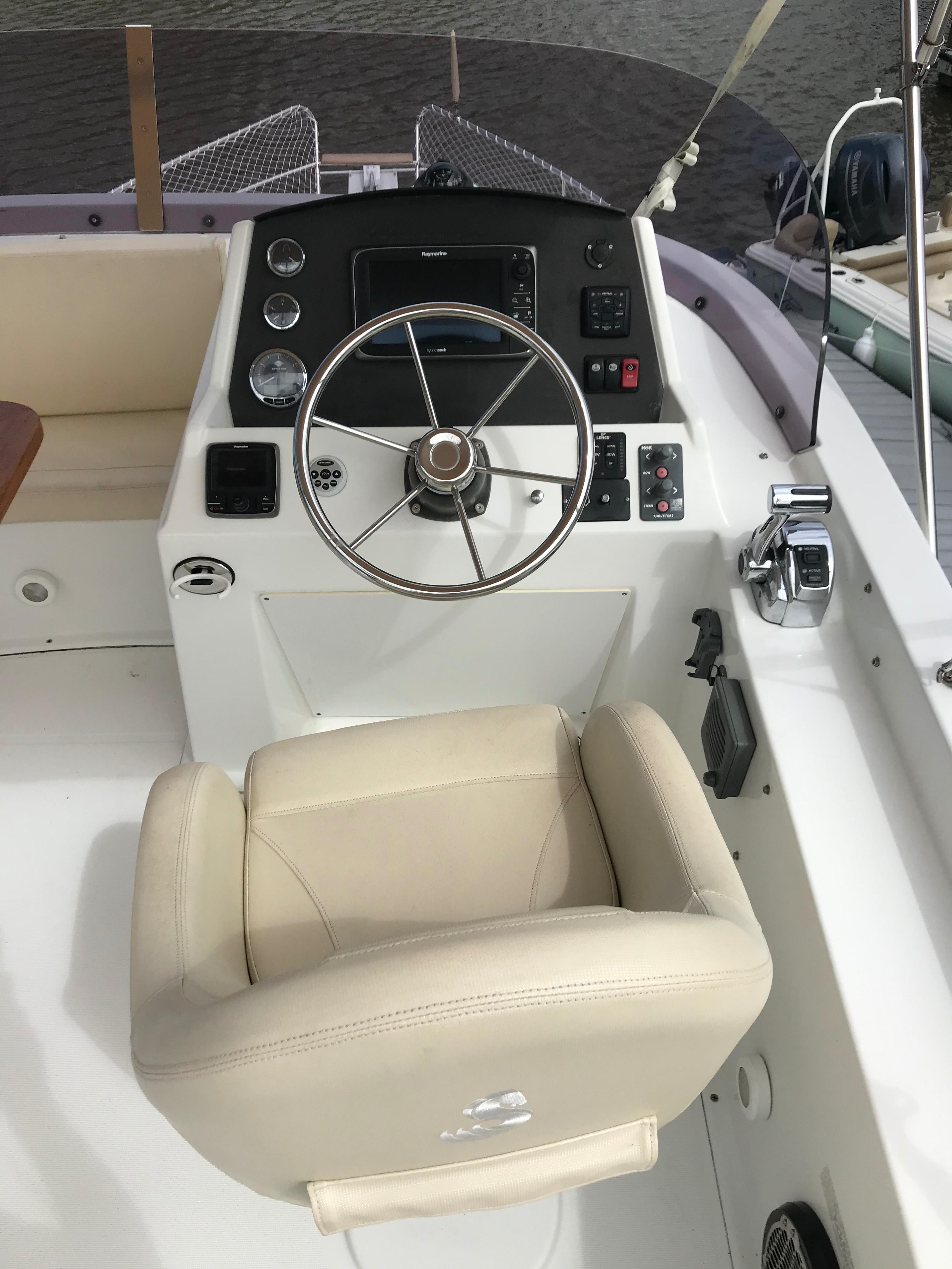 Beneteau 34 Swift Trawler - Flybridge Helm