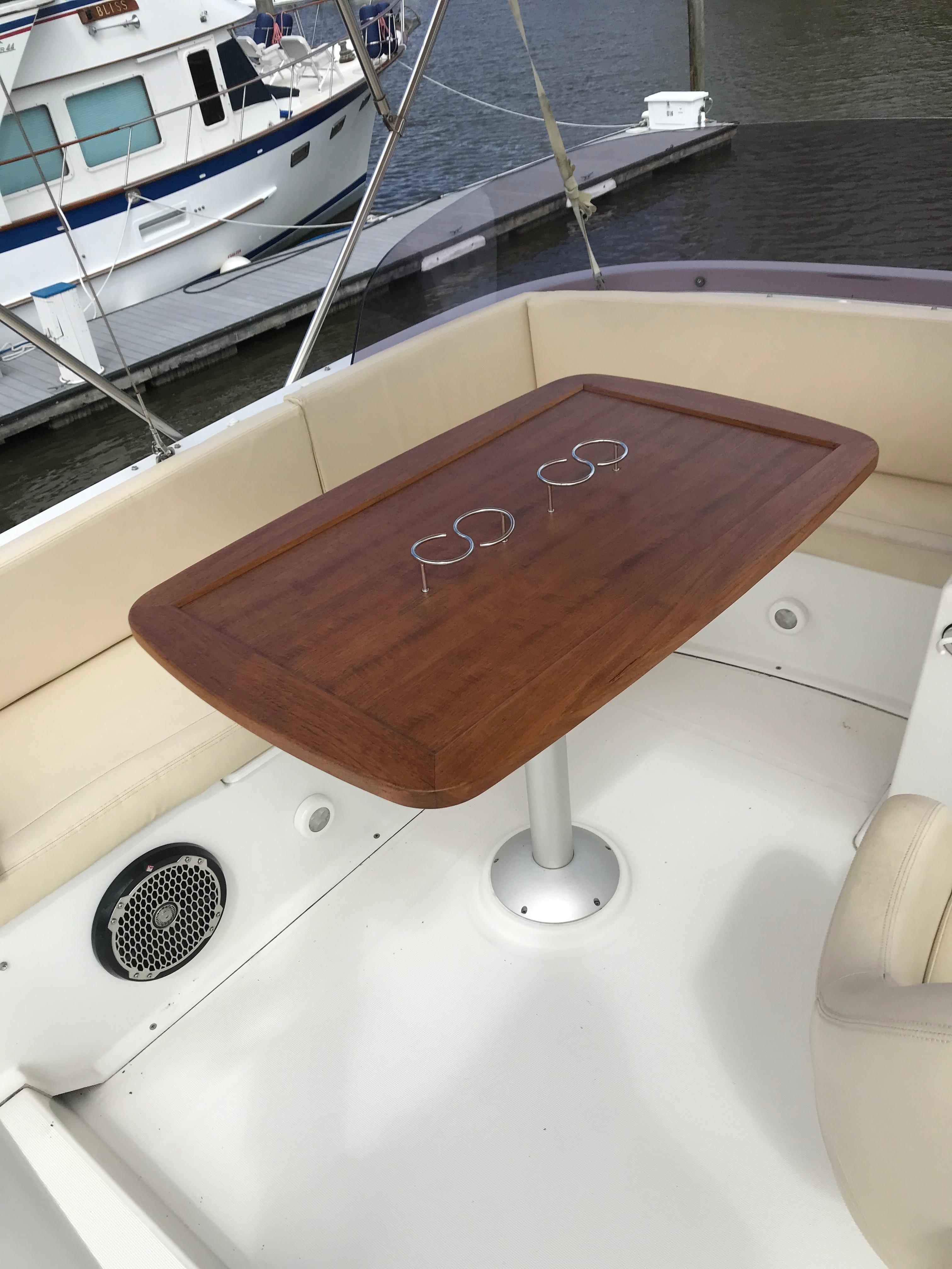 Beneteau 34 Swift Trawler - Teak Table/Speakers/LED Lighting