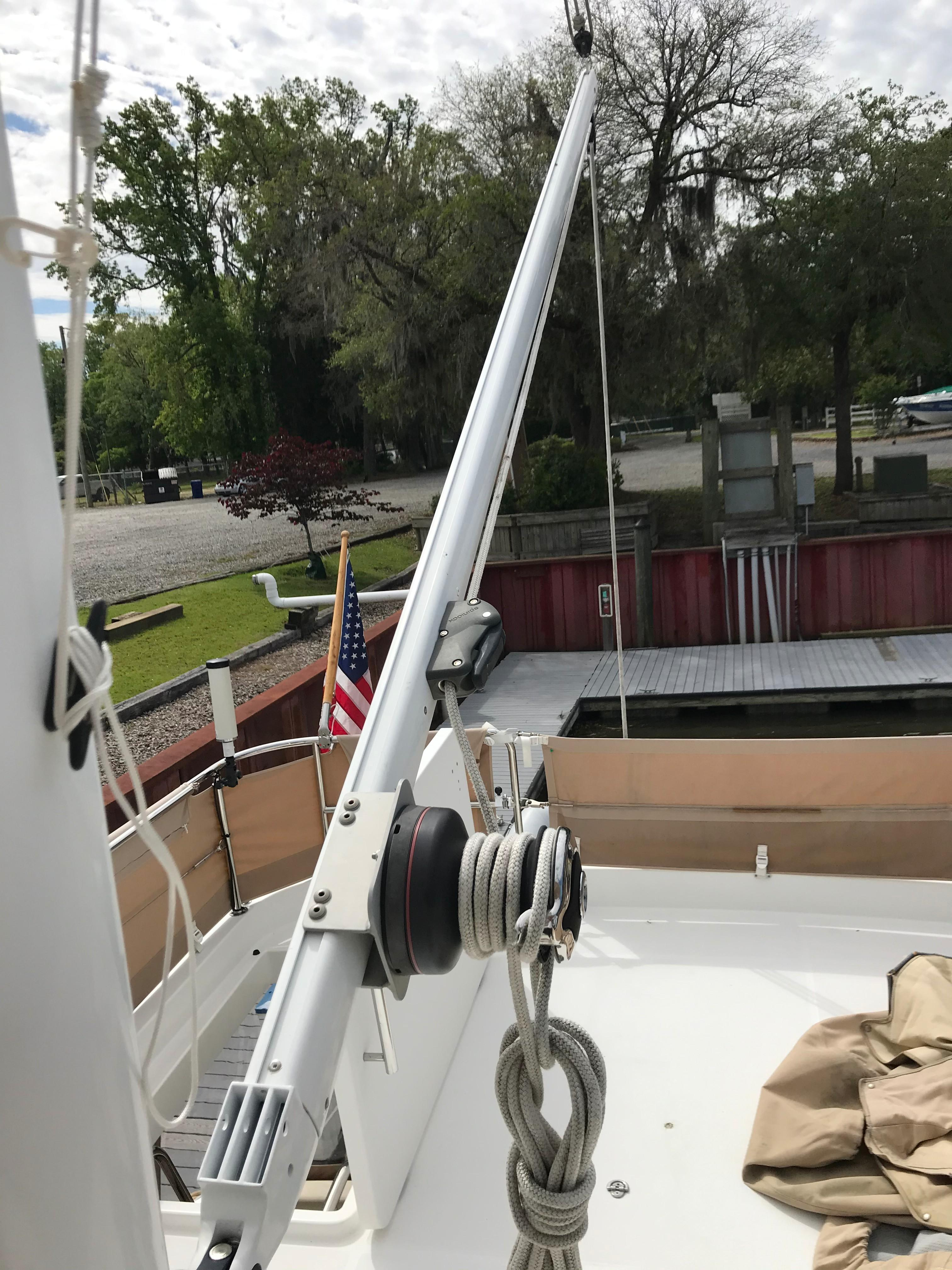 Beneteau 34 Swift Trawler - Boom and Winch on Mast