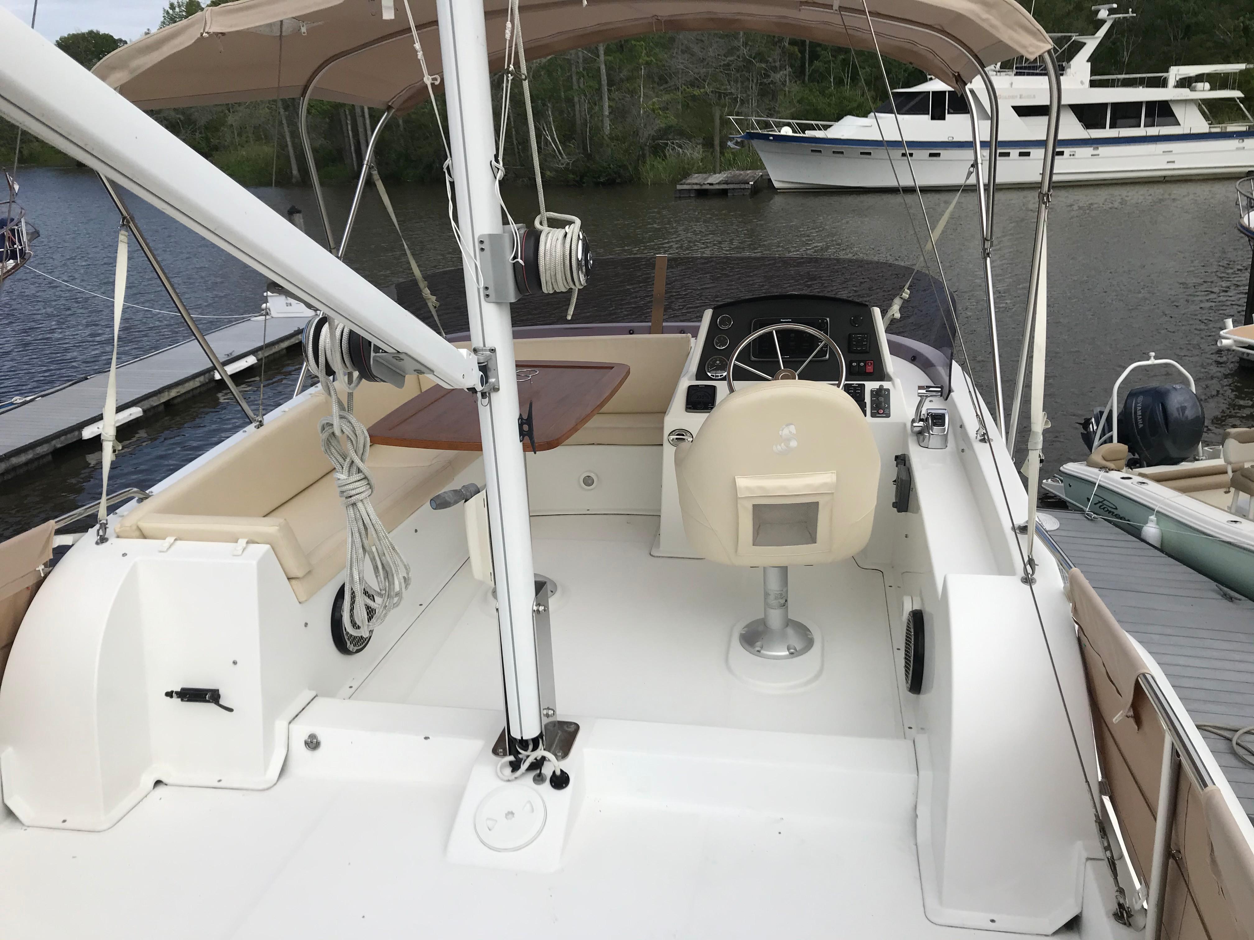 Beneteau 34 Swift Trawler - Flybridge Seating/Bimini Top