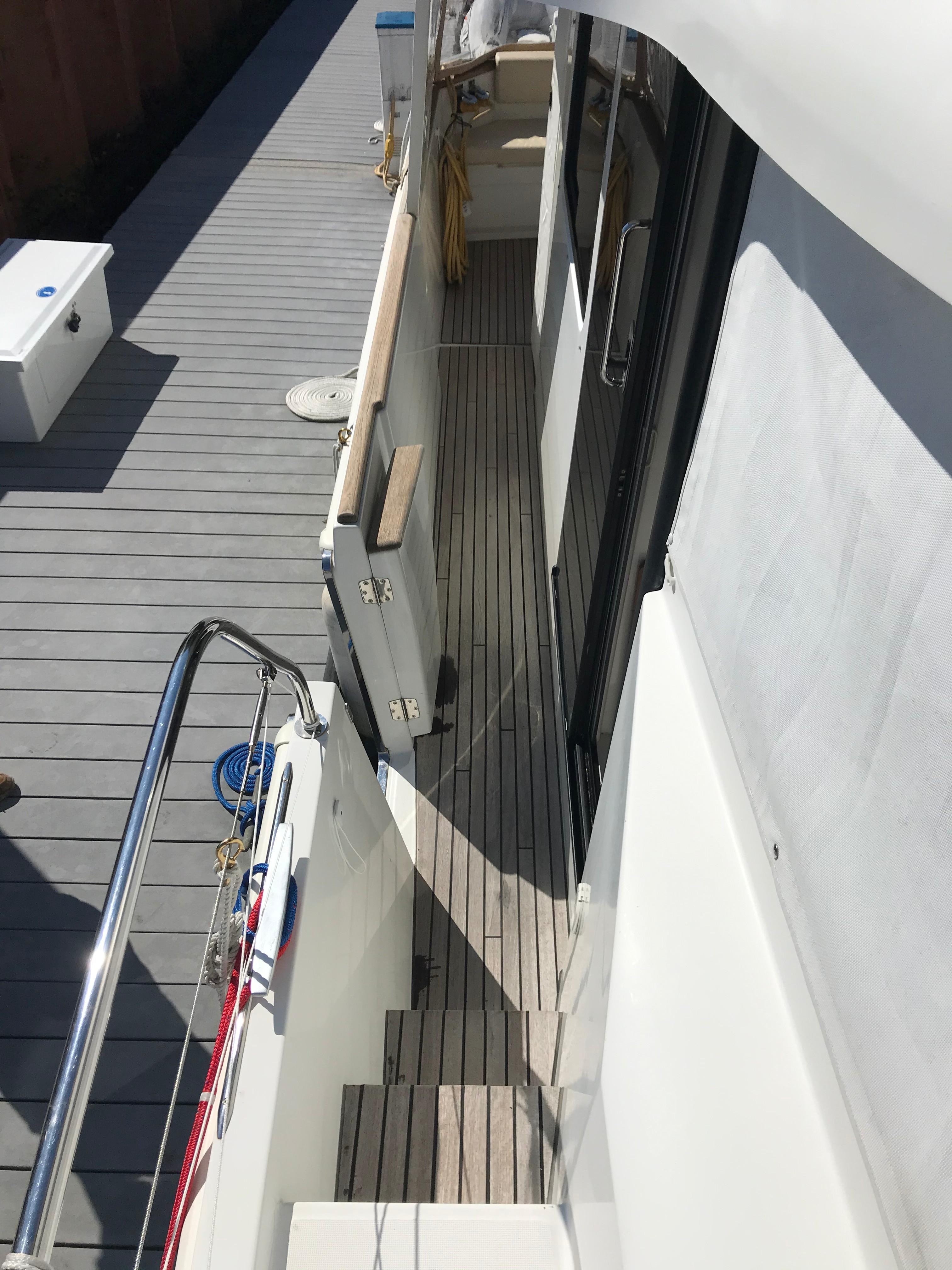 Beneteau 34 Swift Trawler - Starboard Side Gunwale/Pilot Door