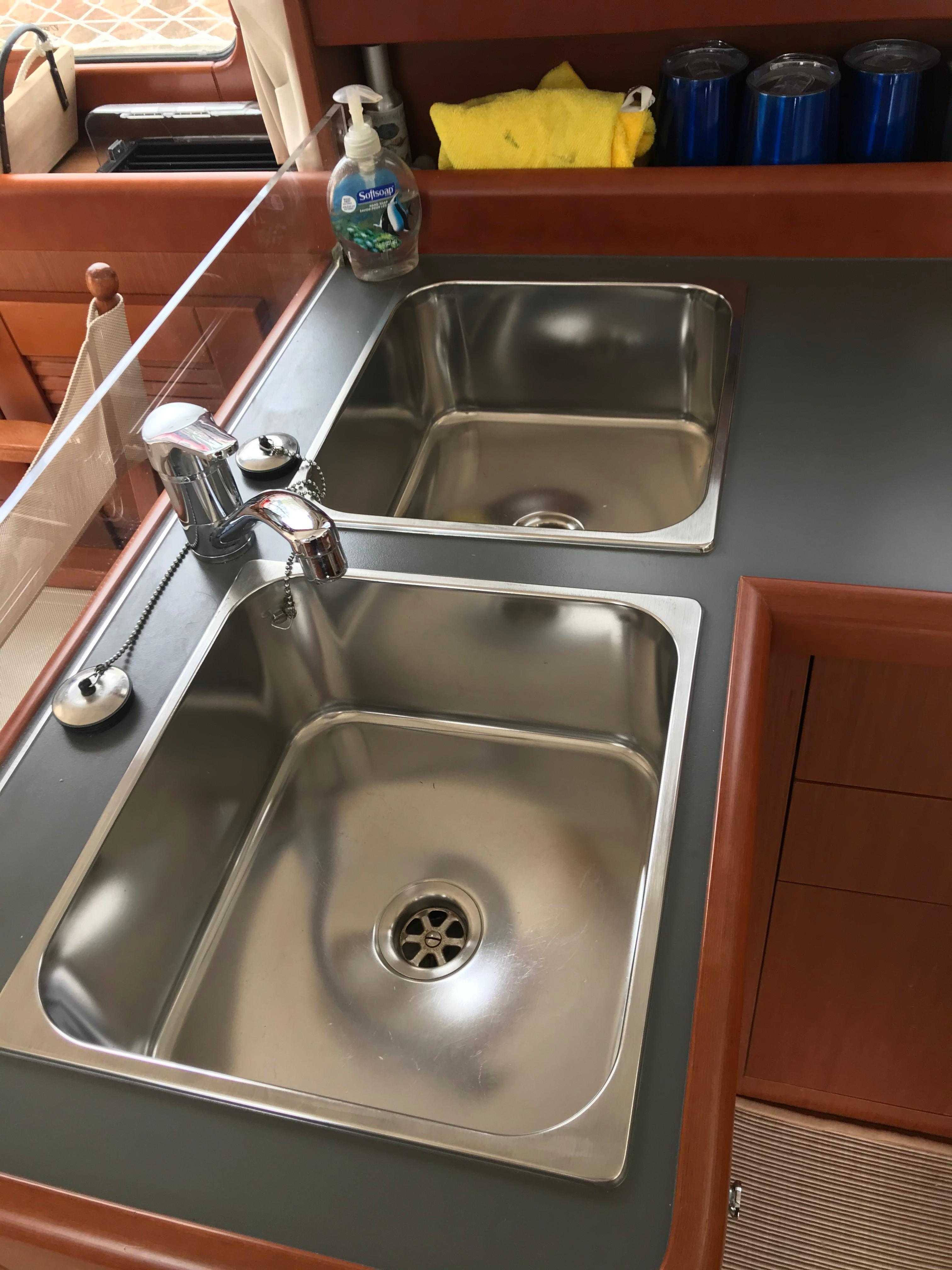 Beneteau 34 Swift Trawler - Twin Stainless Steel Sinks