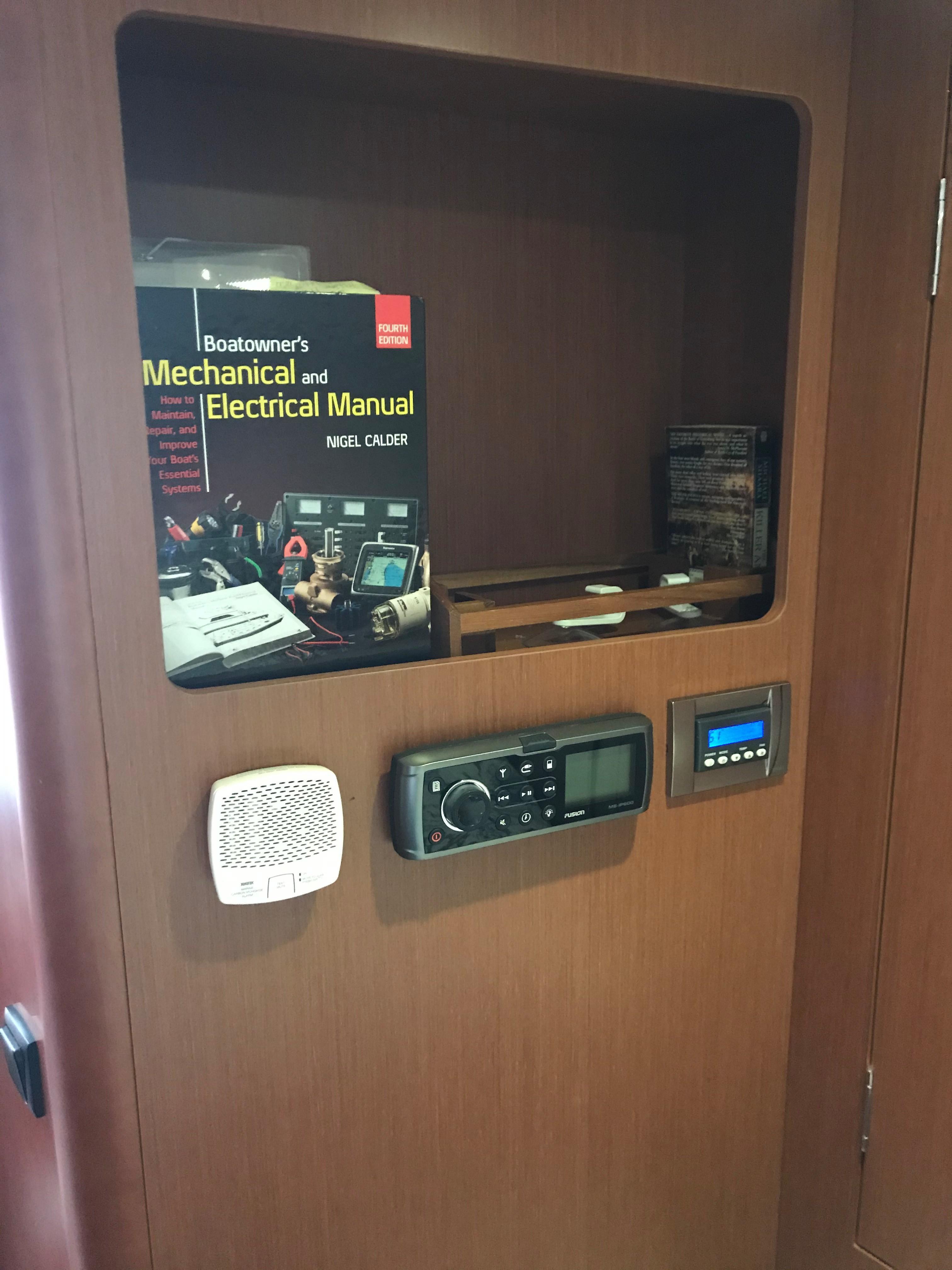 Beneteau 34 Swift Trawler - Stereo/AC Control in MSR