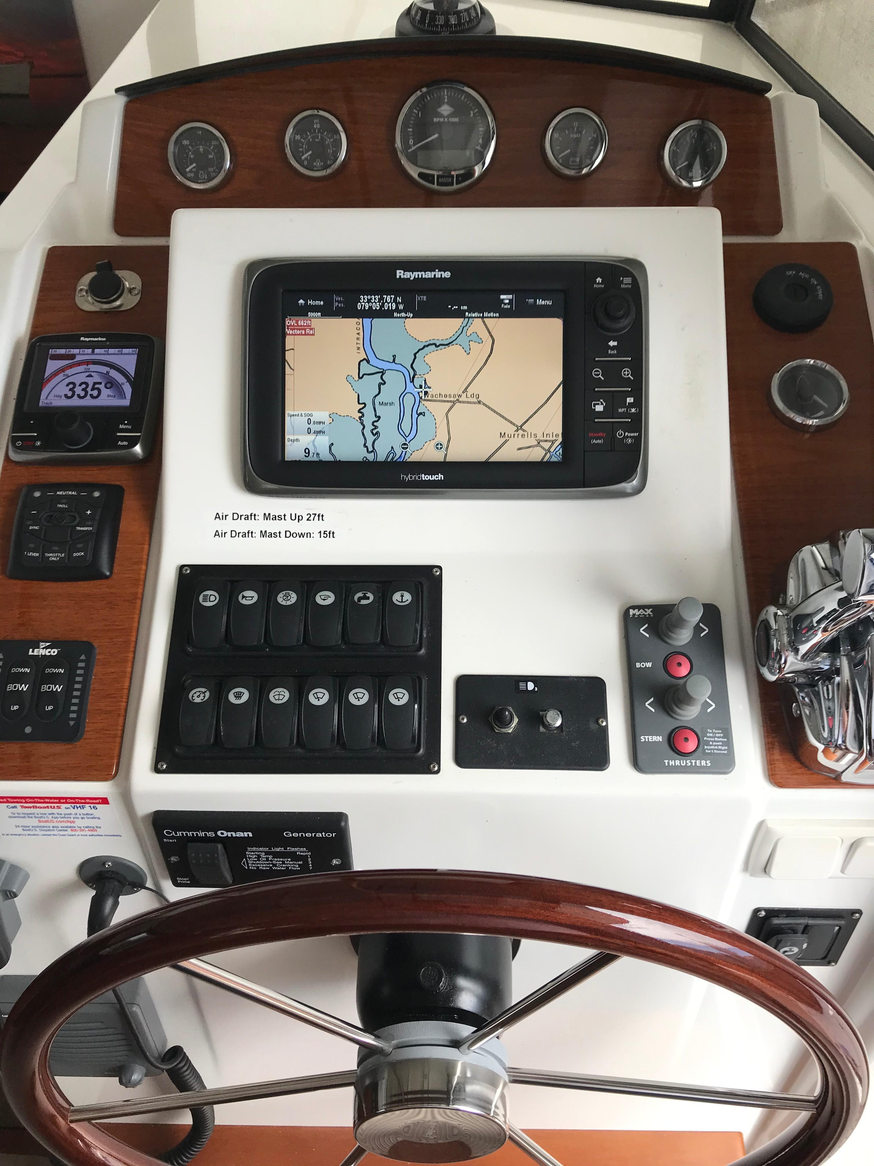 Beneteau 34 Swift Trawler - Lower Helm