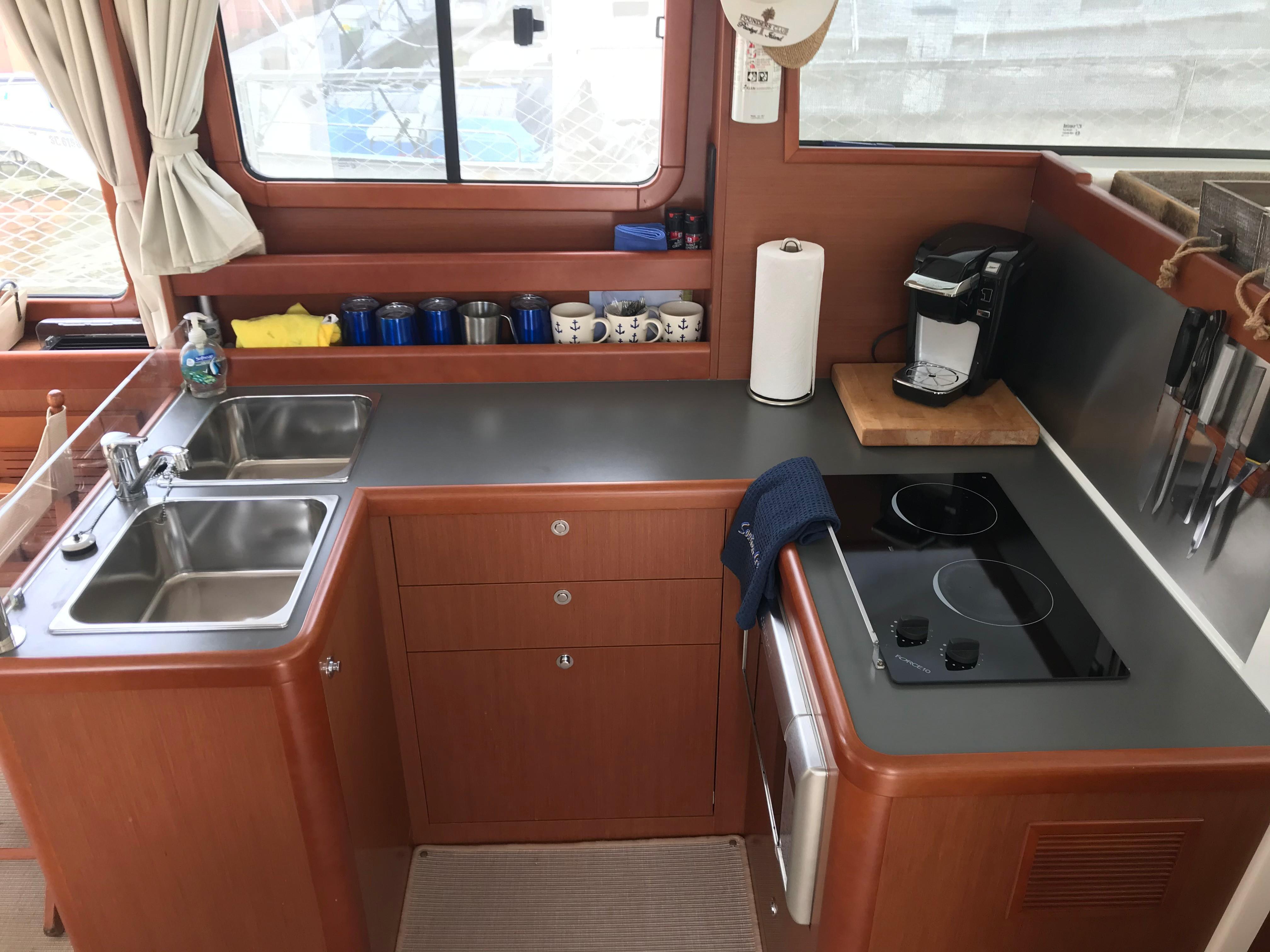 Beneteau 34 Swift Trawler - Galley