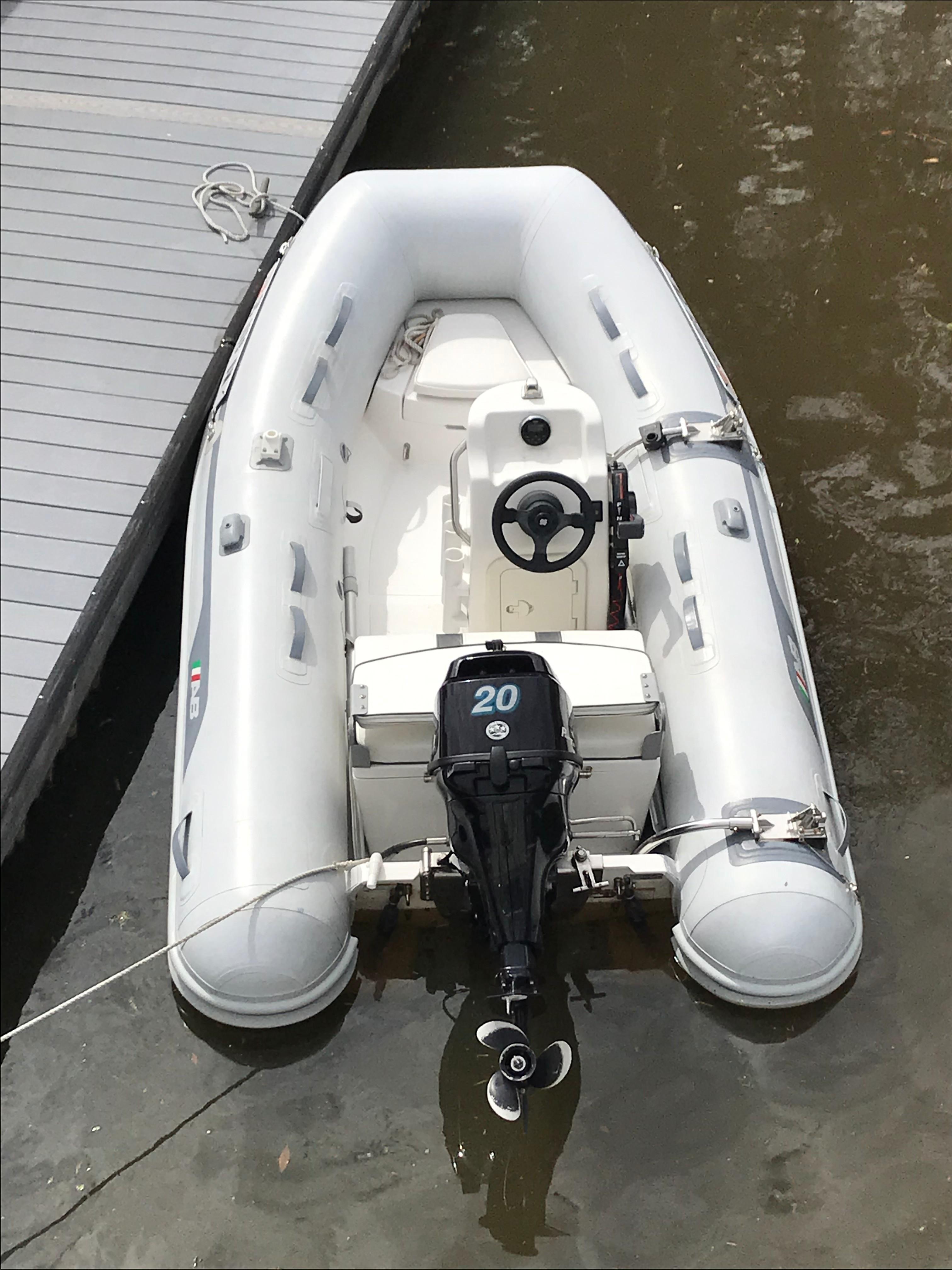 Beneteau 34 Swift Trawler - Dingy