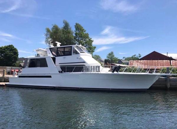1998 60' Viking Sport Yacht