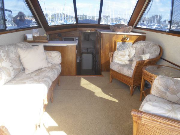 Picture Of:  35' Californian Convertible 1985Yacht For Sale | 4 of 26