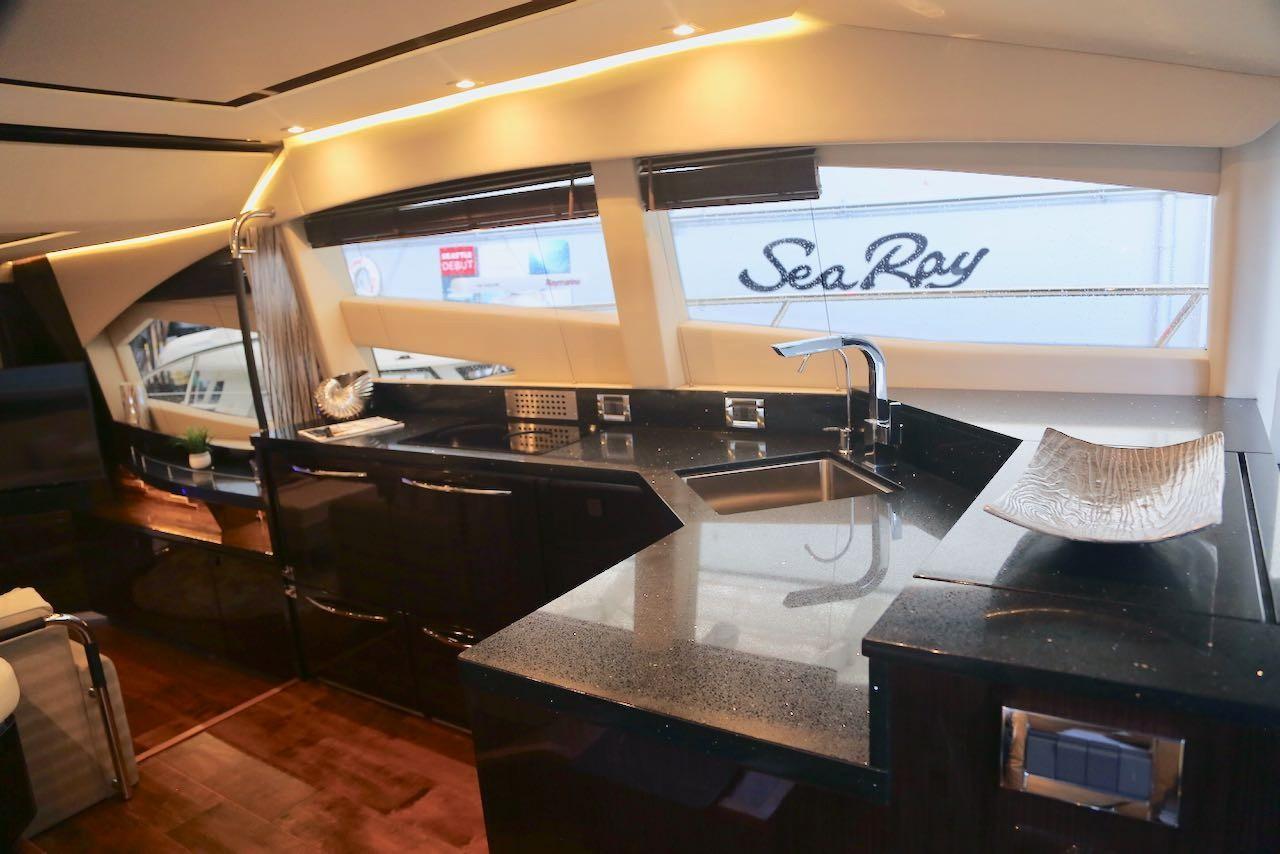 2018 Sea Ray L590 Fly