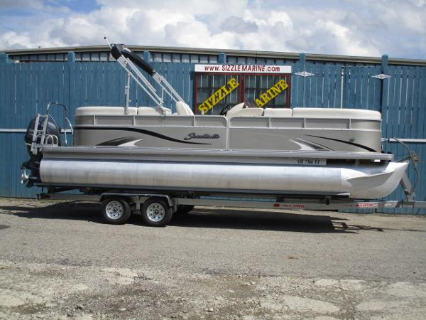 2012 SWEETWATER 220 SL for sale