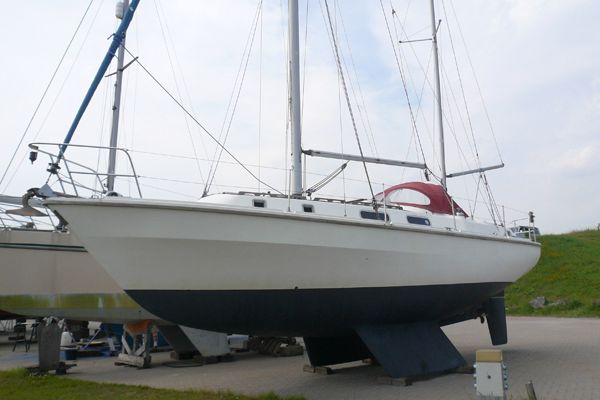Westerly Discus 33 Ketch boat for sale