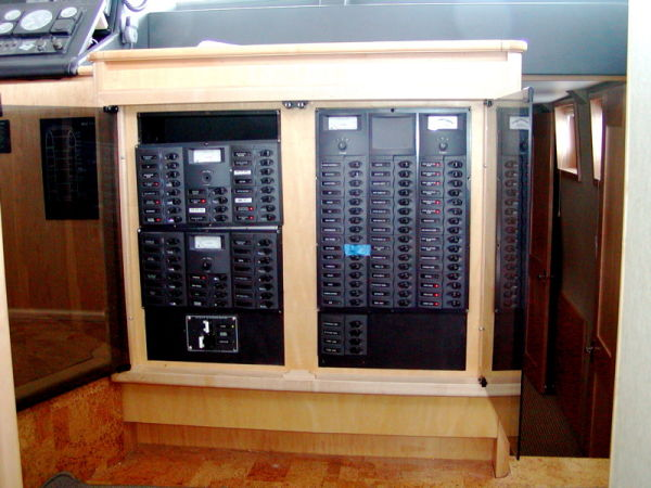 55' Power Cat Mycat Electrical Panel