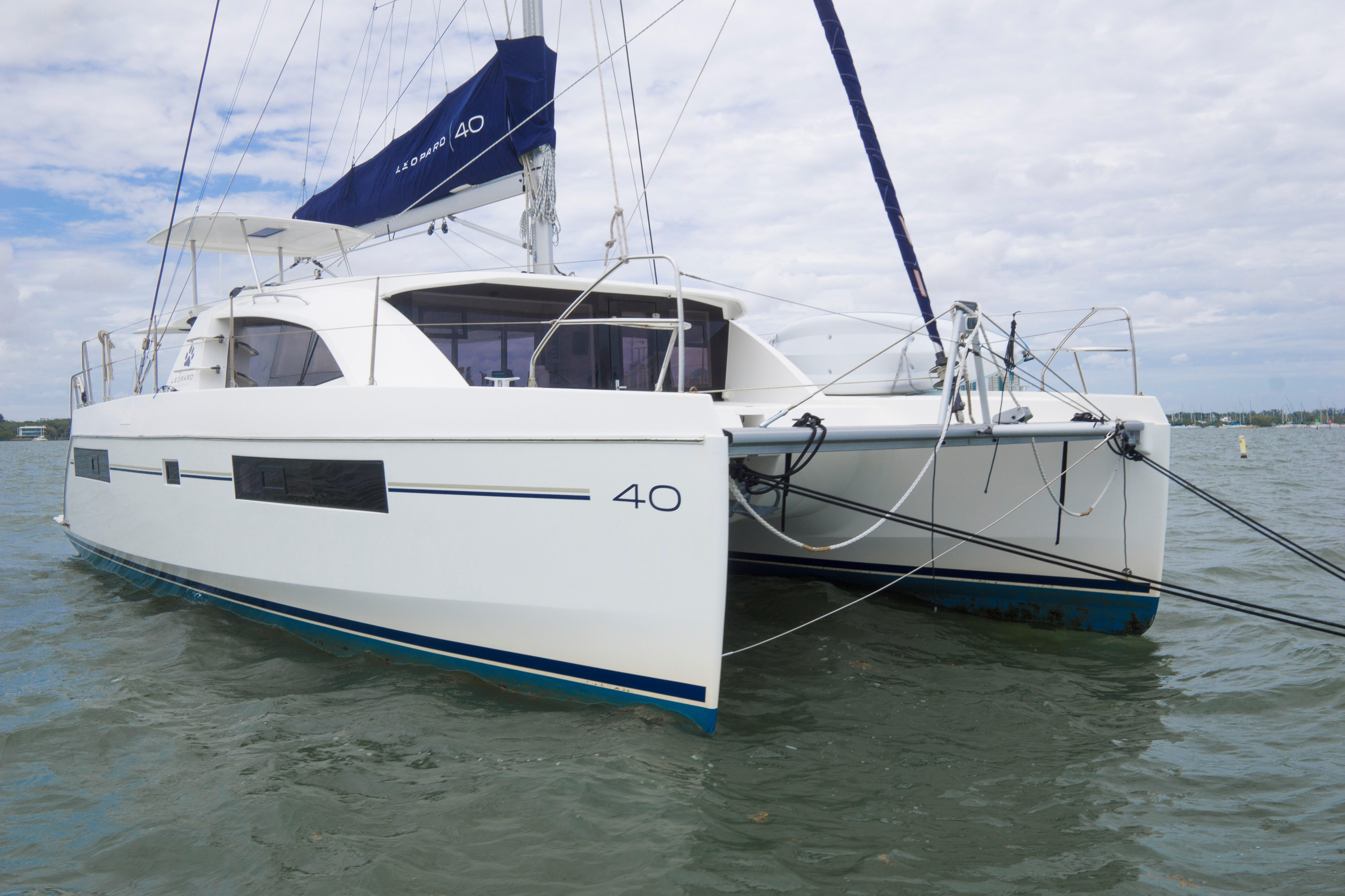 Robertson and Caine Leopard 40 Owners Version