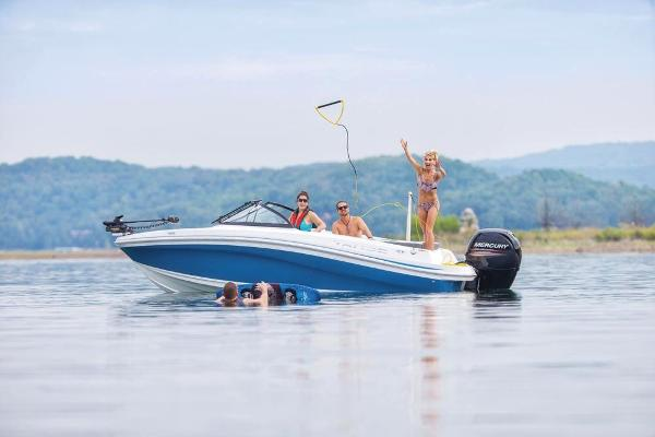 2018 Tahoe boat for sale, model of the boat is 450 TF & Image # 10 of 36