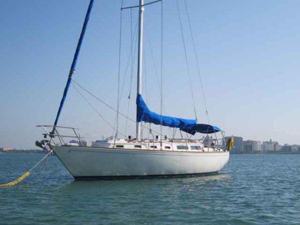 Sabre MK I SLOOP Cruisers. Listing Number: M-3457229 38' Sabre MK I SLOOP