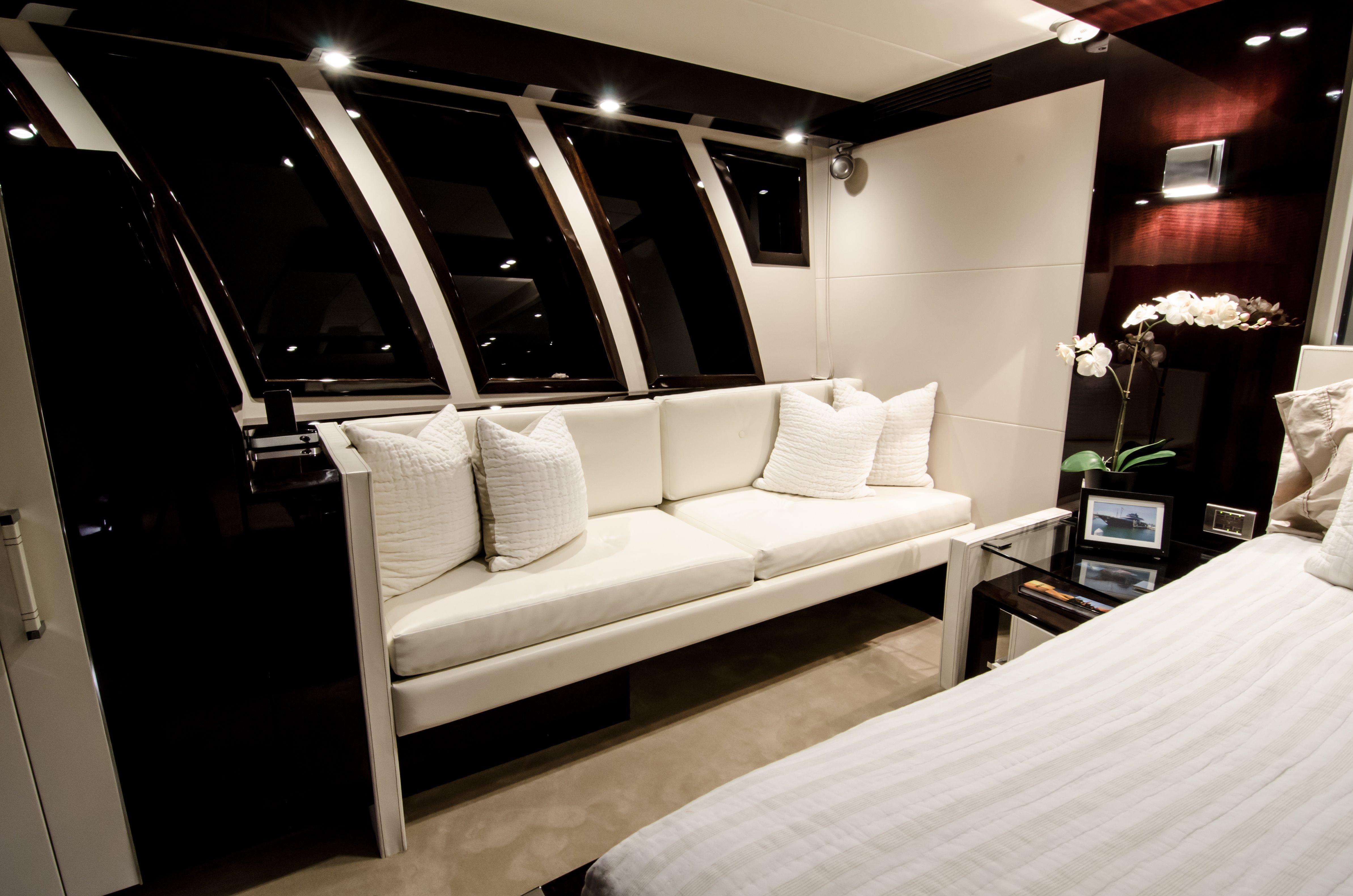 Master Stateroom- Settee Lounge
