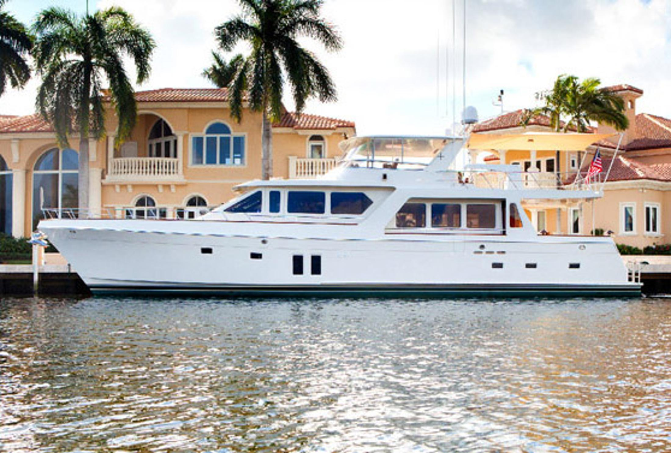 76' Offshore Yachts 2010