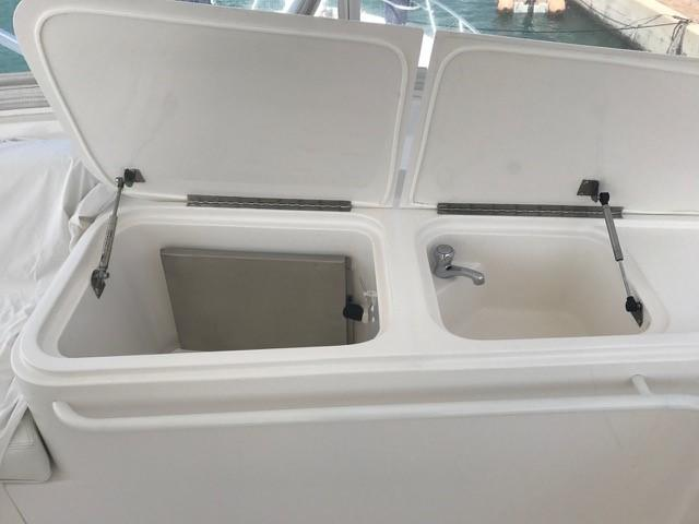 Flybridge Sink and Refrigerator
