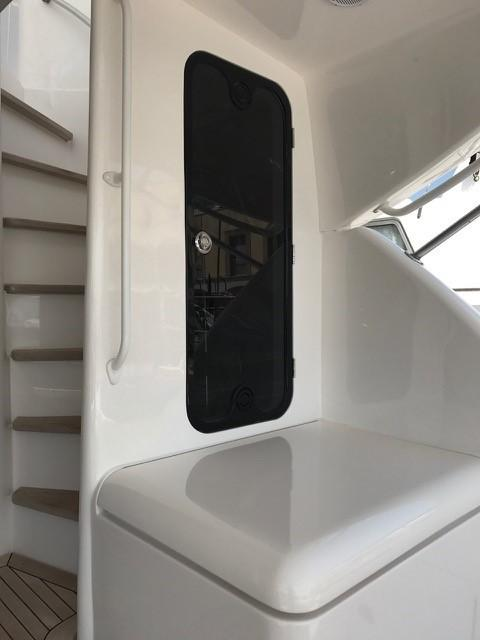 Cockpit to Flybridge Stairs