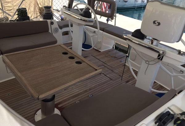 Fully Equipped BAvaria Vision 46 Galley With Dishwasher, Cooker, Oven