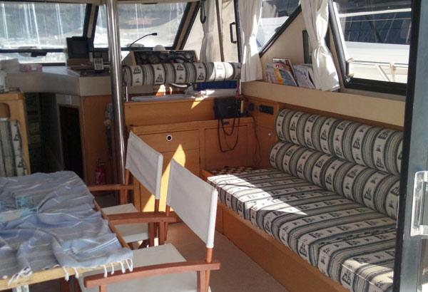 Princess 45 Flybridge Motoryacht's Salon