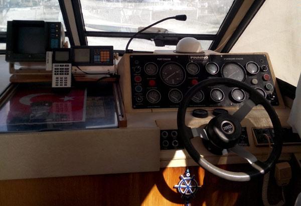 Princess 45 Flybridge Motoryacht's Wheel House